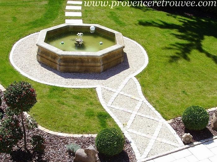Fabricant de bassin de jardin en pierre sur mesure for Bassin de jardin en pierre