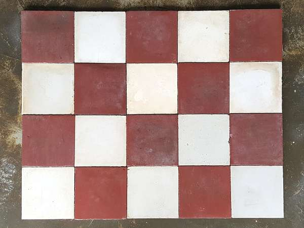 Carrelages ciment anciens carreaux color s motifs for Carrelage rouge et blanc
