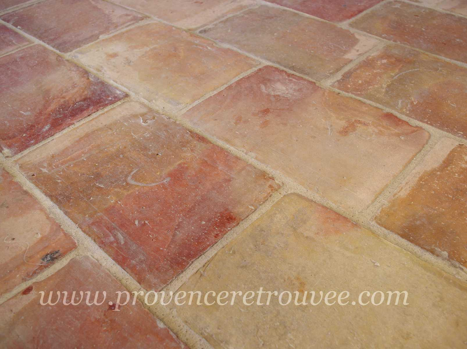 Carrelage design carrelage en terre cuite moderne for Carrelage terre cuite rouge