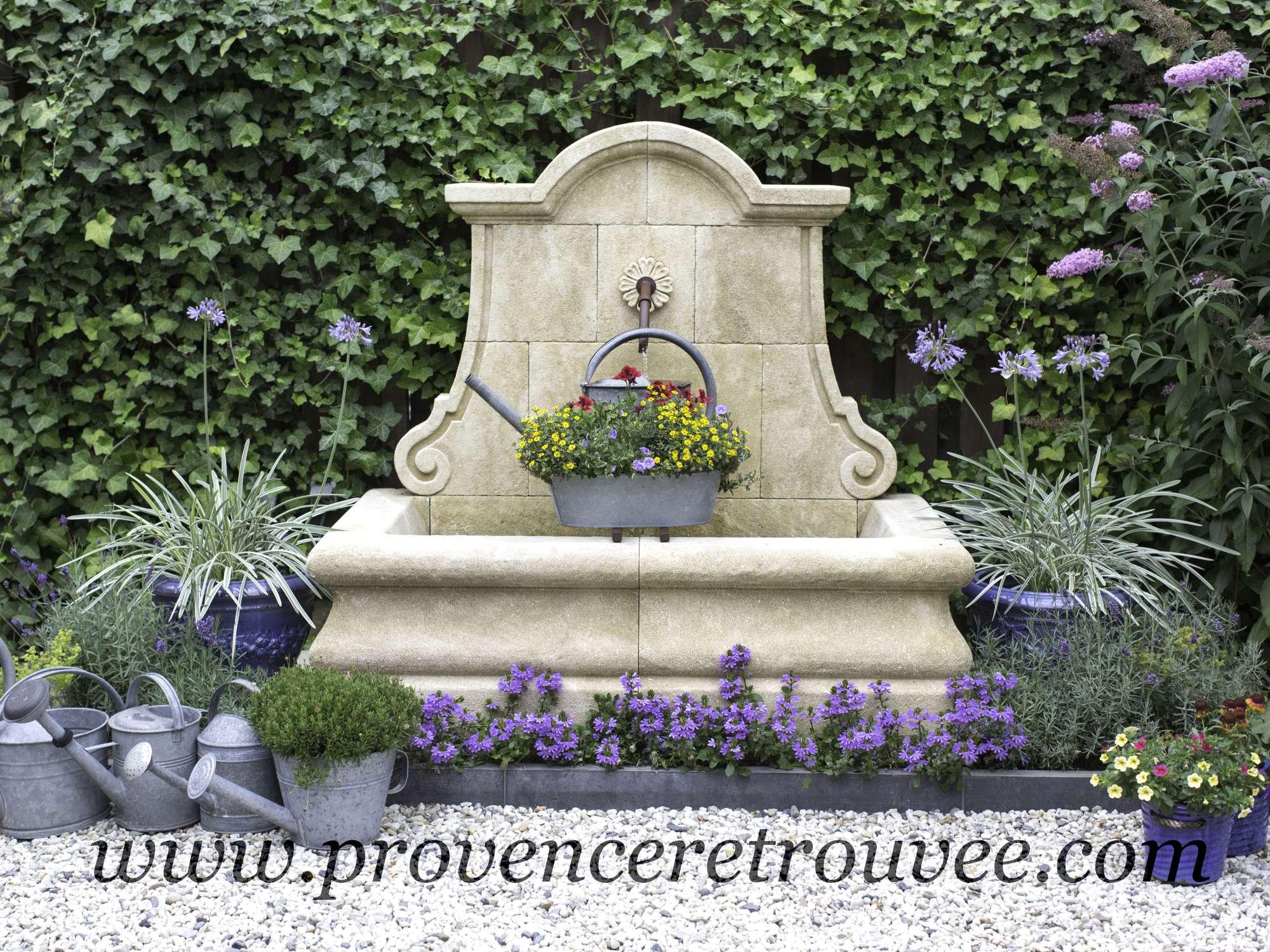 Fabricant de fontaines murales de jardin en pierre naturelle