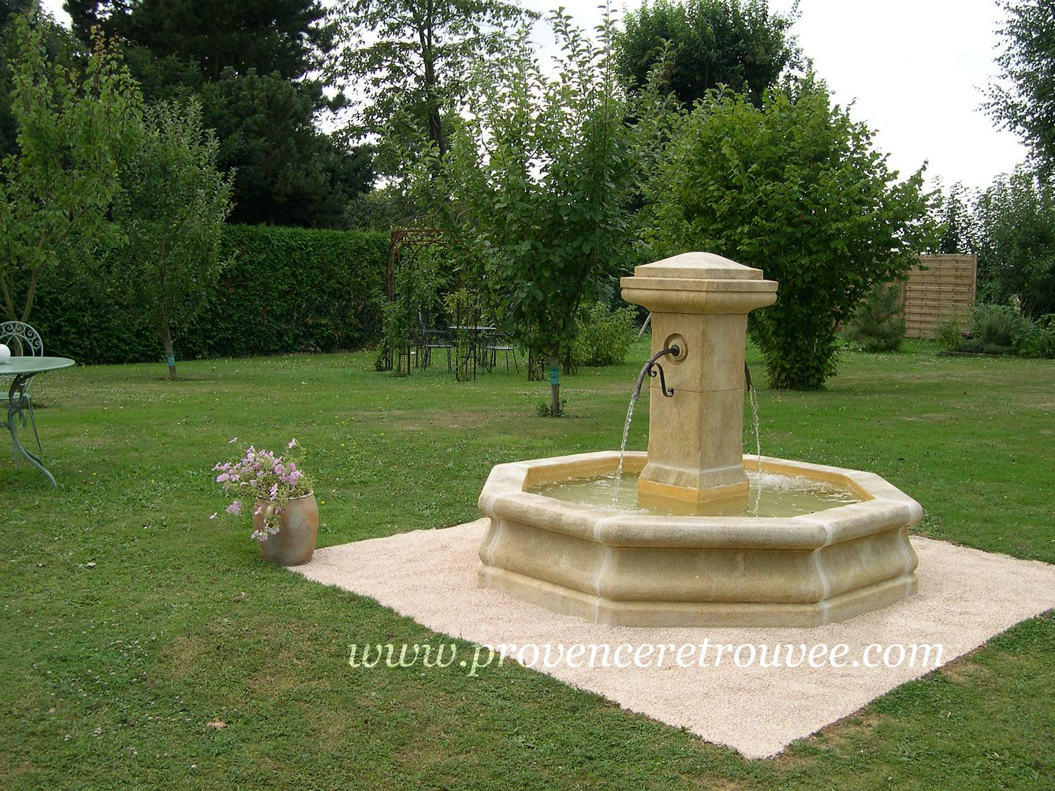 Beautiful fontaine de jardin en pierre occasion images for Fontaine jardin design