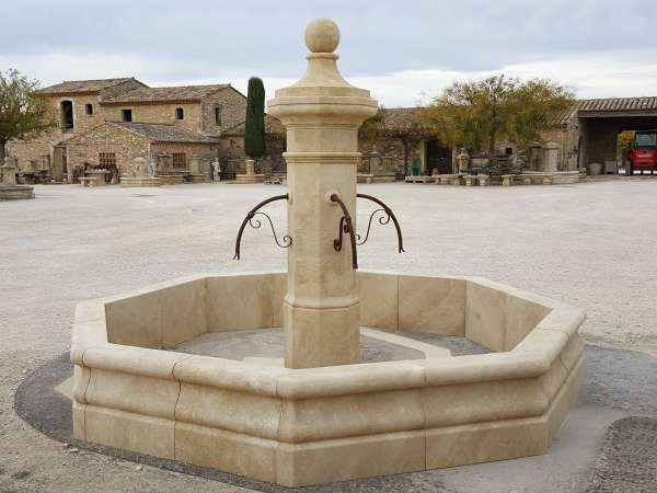 Principe d\'une fontaine en circuit fermé avec pompe