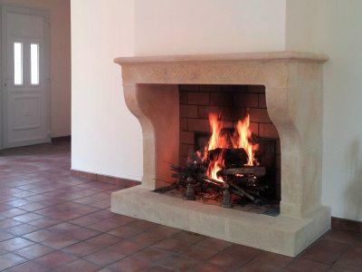 Chemin es en pierre de taille de style provencal louis xv - Pierre pour cheminee ...