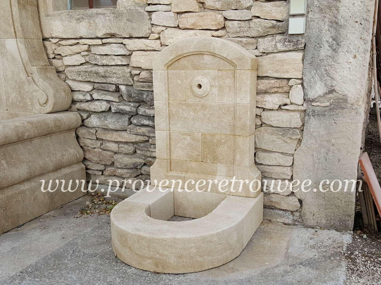 Fontaine basse en pierre pour robinet exterieur fon08 060 for Pierre pour bassin exterieur