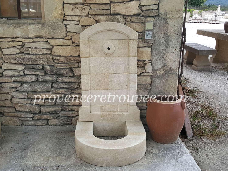 Fontaine basse en pierre pour robinet exterieur fon08 060 for Placer un robinet exterieur