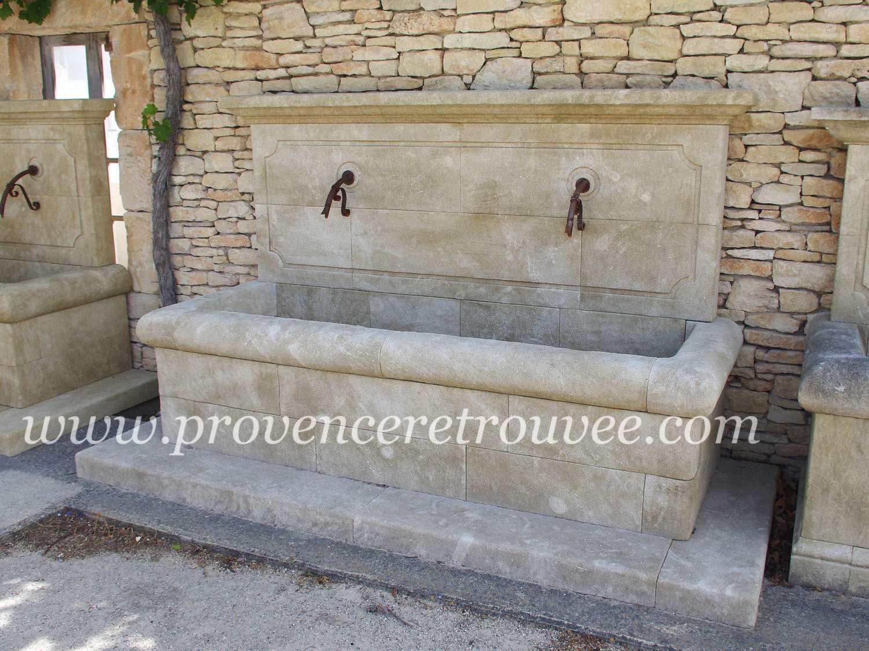 large fontaine de village en pierre naturelle fon20 256. Black Bedroom Furniture Sets. Home Design Ideas