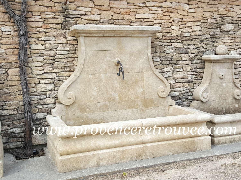 imposante fontaine de jardin en pierre naturelle fon22 216. Black Bedroom Furniture Sets. Home Design Ideas