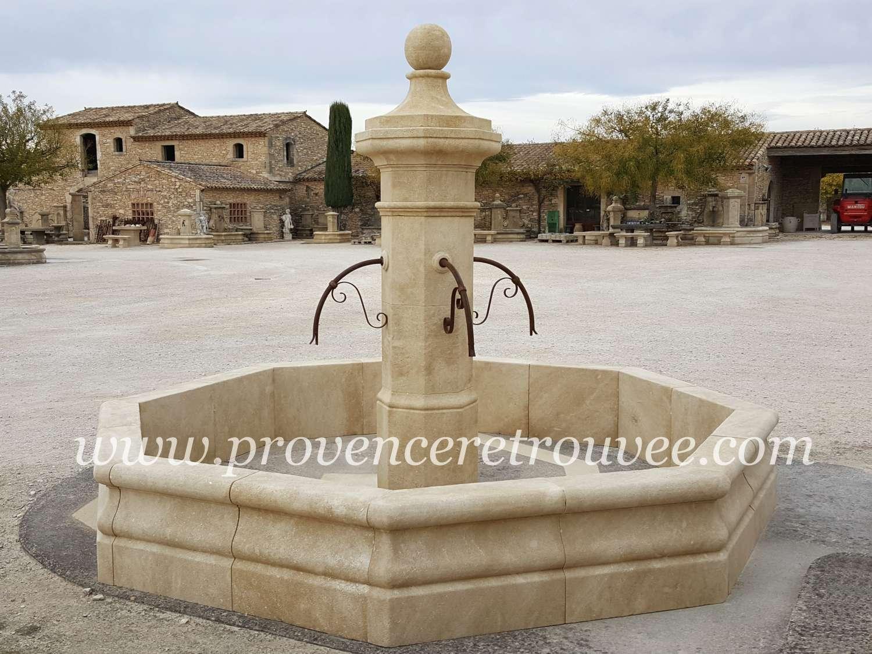 Fontaine centrale en pierre fonc-O-350