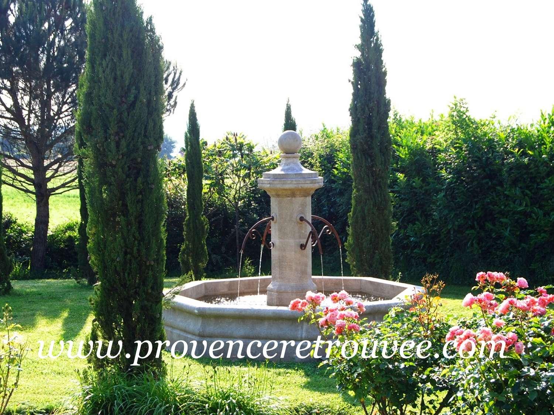 Installer une fontaine en pierre dans son jardin - Comment fabriquer une fontaine de jardin ...