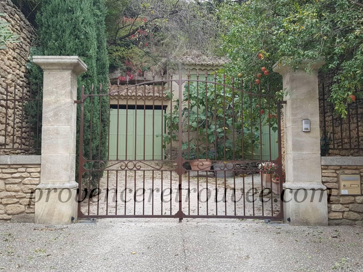 Pilier pierre portail