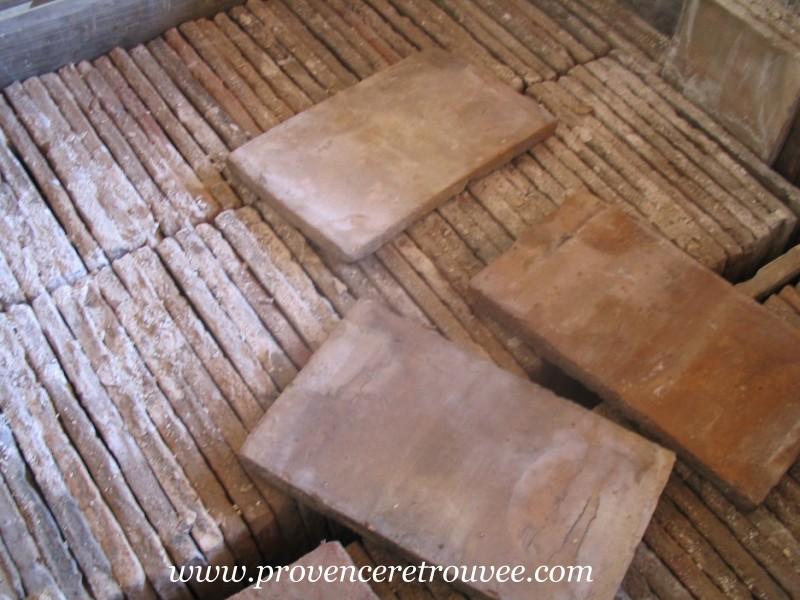 Parefeuilles anciens en terre cuite de provence for Nettoyage carrelage ancien