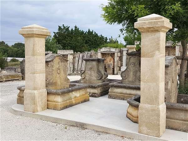 piliers en pierre de taille portail d 39 entr e fer forg. Black Bedroom Furniture Sets. Home Design Ideas